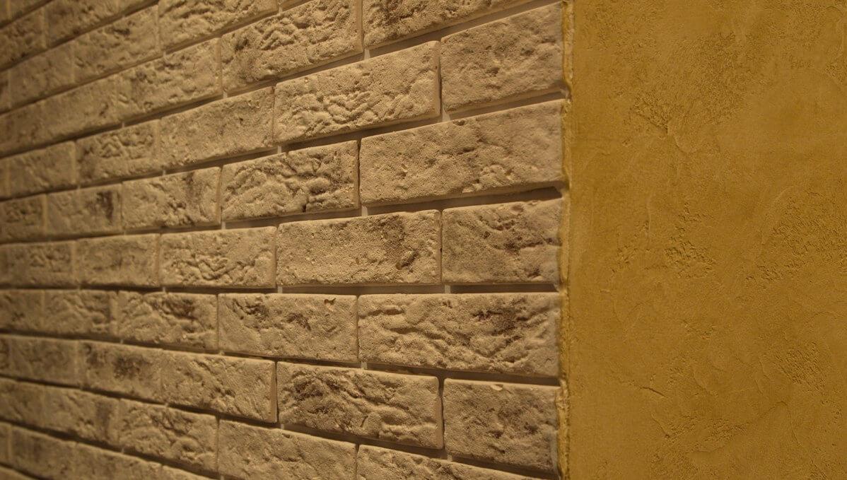 Декоративная отделка стен  обзор