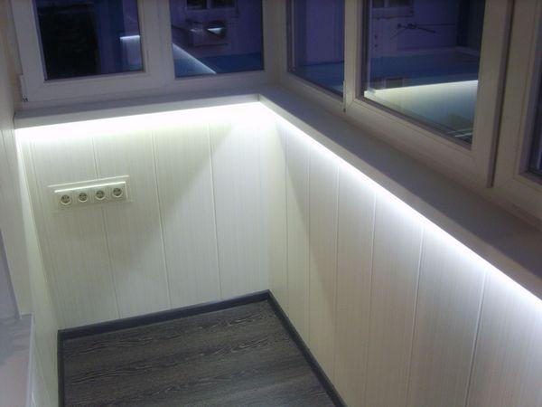 Дополнительное освещение на балконе светодиодной лентой
