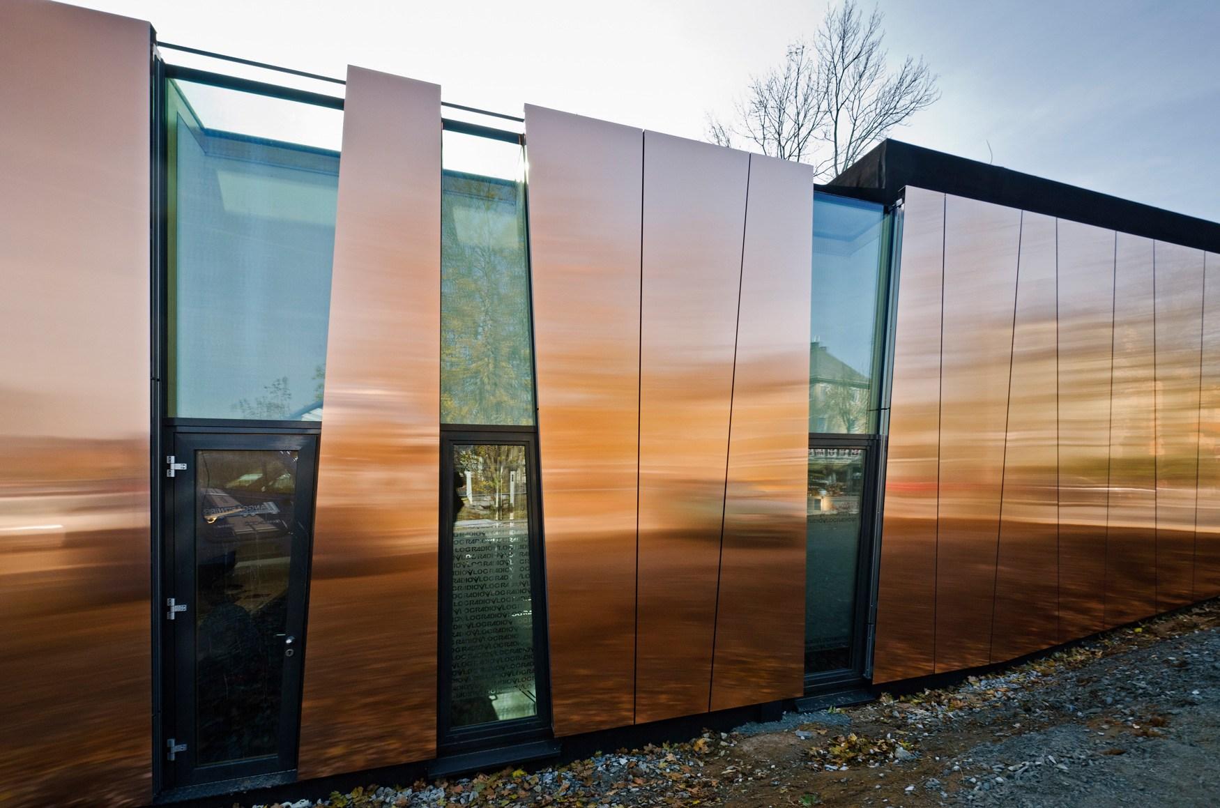 Фасадная металлическая панель