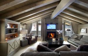 Фото ремонта и дизайна мансарды в доме на даче