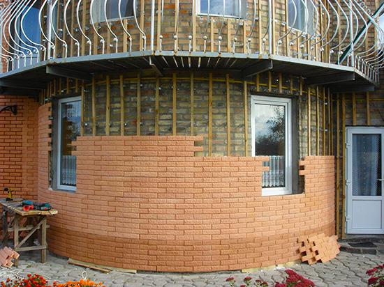Красивая отделка фасадными панелями