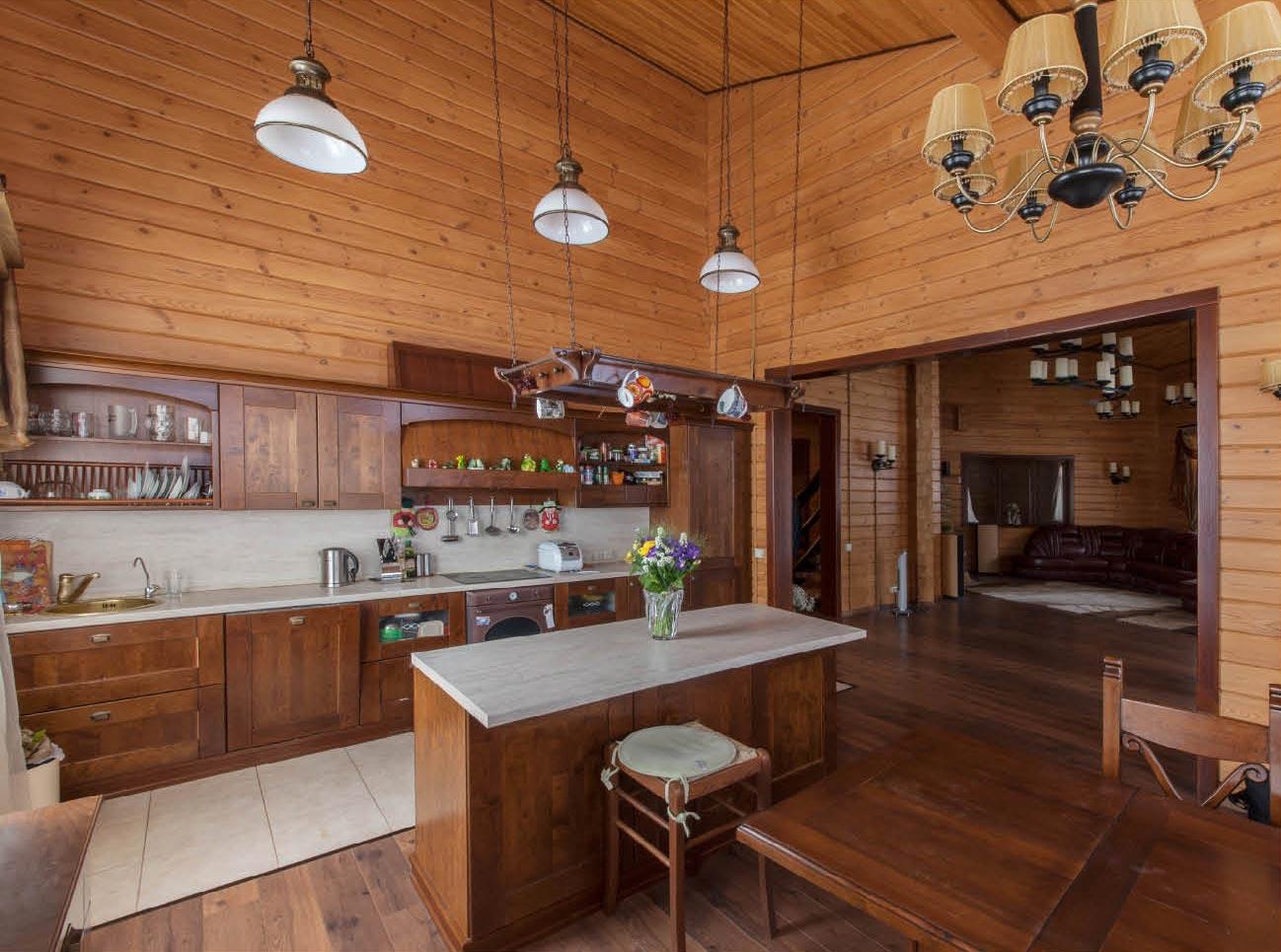 Натуральный материал для отделки кухни - деревянная вагонка
