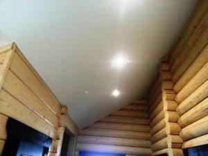Натяжные потолки в деревянный дом