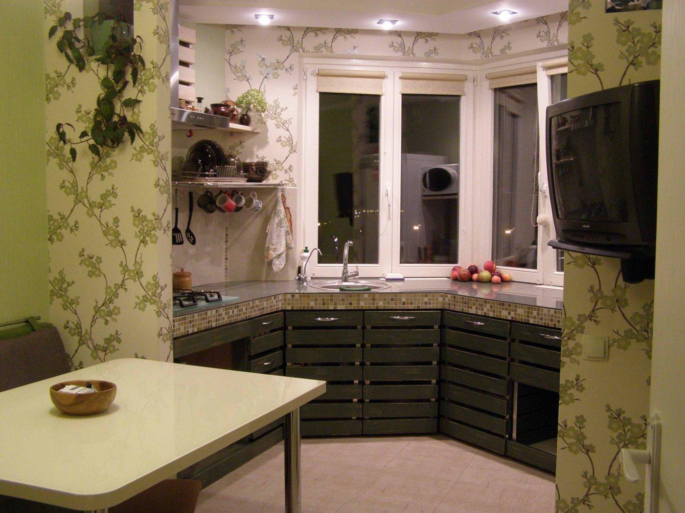 Оригинальный дизайн П образной кухни