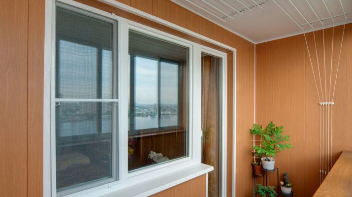 Остекление и отделка балкона