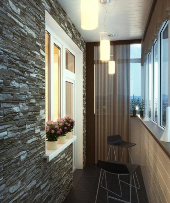 Освещение лоджии регулируется с помощью штор и нескольких подвесных светильников