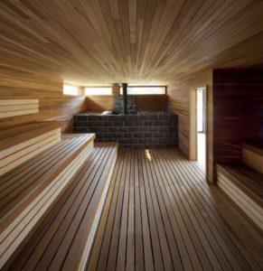 Отделка деревом - прекрасное средство усилить спокойную и уютную атмосферу бани
