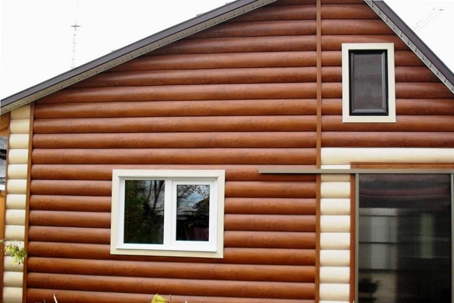 Отделка дома виниловым блок хаусом