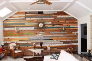 Покраска деревянных стен