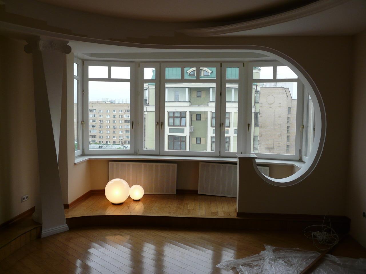 Объединить балкон с кухней и утеплить фото.