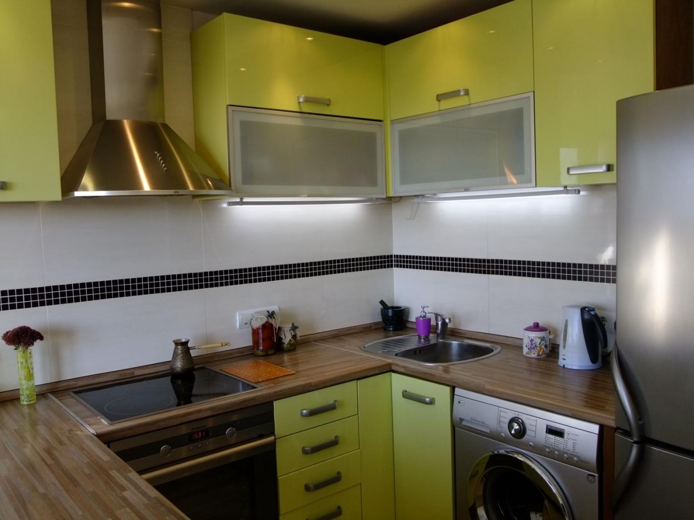 Рабочая зона в небольшой кухне