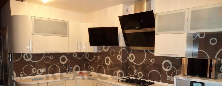 Удобно и красиво – отделка кухни пластиковыми стеновыми панелями