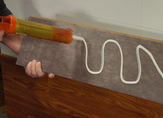 Укладка ламината на клей