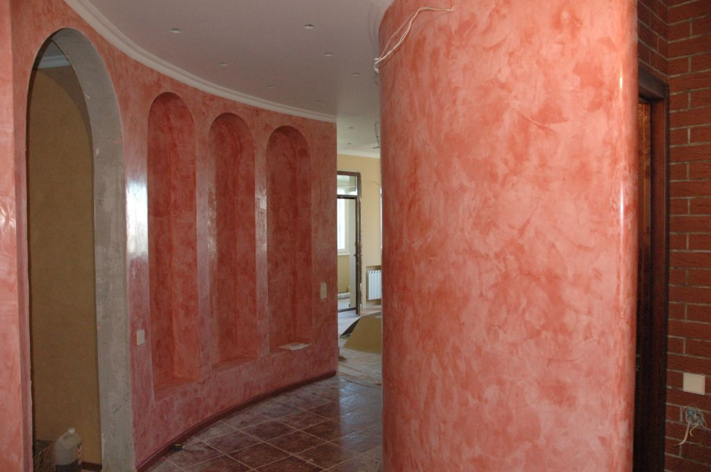 Внутренняя декоративная штукатурка стен дома
