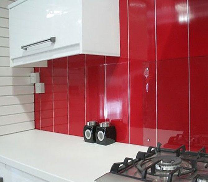 Выбирая пластиковые панели для кухни, правильно рассчитайте удобный размер