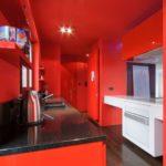 Как правильно выбрать дизайн красной квартиры