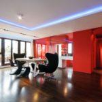 Квартира в красных тонах с красивым дизайном