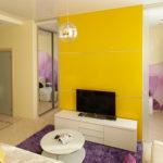 Насыщенный и необычный дизайн желтой квартиры