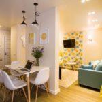 Желтая квартира с оригинальным дизайном