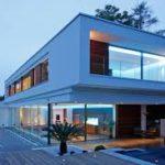 Частный дом с голубым дизайном