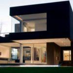Дизайн двухэтажного дома с дизайном черного цвета