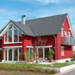 Дизайн экстерьера дома красного цвета