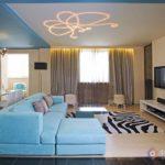 Двухкомнатная квартира голубого цвета с оригинальным дизайном