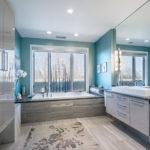 Голубые оттенки квартиры с красивым дизайном