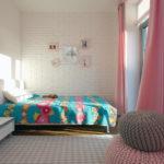 Интерьер квартиры розового цвета с эффектным дизайном
