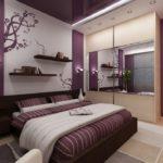 Интерьер с красивым фиолетовым дизайном в квартире