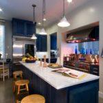 Интерьер синей квартиры со стильный дизайном