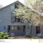 Как подобрать дизайн серого дома