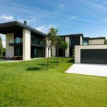 Классический дизайн бежевого дома