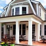Классический вариант дизайна белого дома