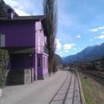 Красивый дизайн фиолетового дома