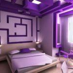 Насыщенный цвет дизайна фиолетовой квартиры