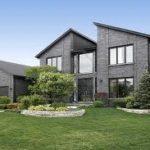 Невероятный серый частный дом с приятным дизайном