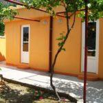 Оранжевый вариант дизайна современного дома