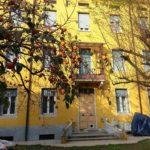Правила создания классического дизайна желтого дома