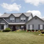 Пример дизайна серого дома