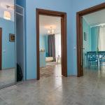 Пример оформления дизайна квартиры в голубом цвете