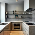 Пример оформления дизайна серой квартиры