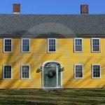 Пример современного дизайна желтого дома