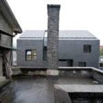 Приятный дизайн серого дома