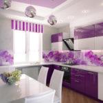 Раскошный вариант дизайна современной квартиры фиолетового цвета