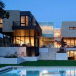 Роскошный дизайн дома в бежевом цвете