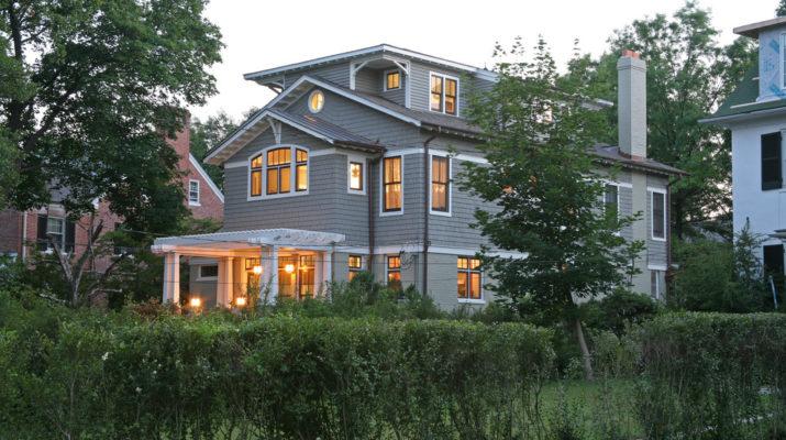 Шикарный серый дом с простым дизайном