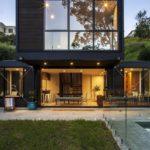 Современный дизайн черного дома