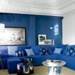 Стильный дизайн синей квартиры