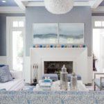 Светлый вариант современного дизайна квартиры синего цвета